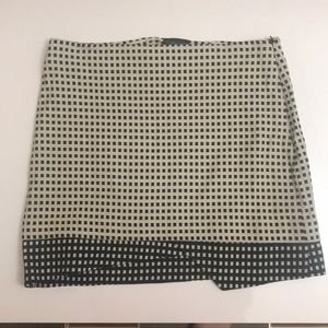 Top shop checkered black and beige skirt